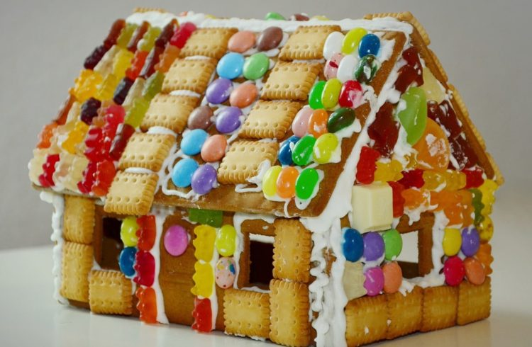Gingerbread House | Make a Haunted Gingerbread House
