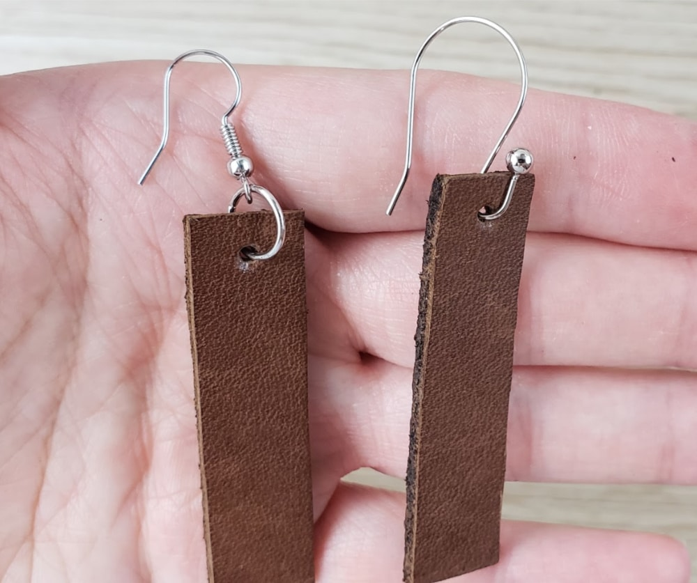 Finished with different hooks bar leather earrings