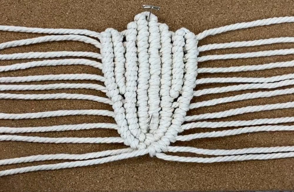 Tie another row of normal double half hitch knots
