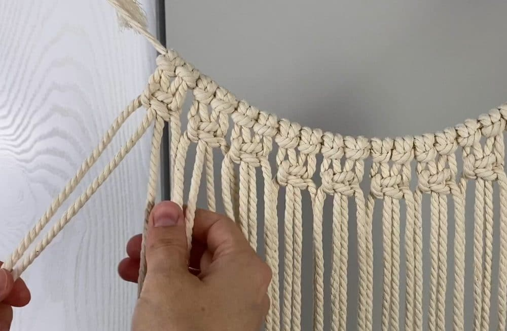 making the macrame panel with switch knots | macrame fall wreath